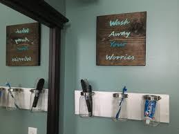 Rustic Bathroom Wall Decor Plan