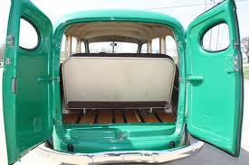 1946 CHEVROLET SUBURBAN 2 DOOR PANEL