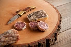 How To Make An Easy DIY Wood Slice Serving Board