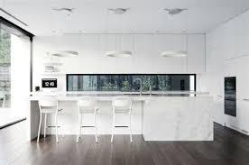 cuisine blanche design idee de cuisine avec ilot central mineral bio
