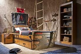 chambre garcon pirate chambre garcon pirate papier peint enfant quels motifs et