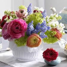 How To Create Floral Arrangements In Shallow Containers Beautiful Flower Table Centerpieces