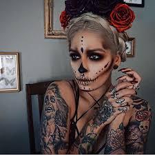 Halloween Half Mask Makeup by Best 25 Skull Makeup Ideas On Pinterest Halloween Skull Makeup