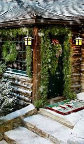 Outdoor Christmas Decorations Ideas Pinterest by Best 25 Log Cabin Christmas Ideas On Pinterest Winter Cabin
