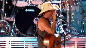 Kenny Chesney Old Blue Chair Live by Kenny Chesney Summer In 3d Old Blue Chair Video Nytimes Com