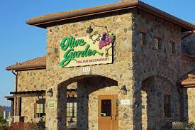 Arkansas Couple to Name First Child After Olive Garden