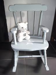 rocking chair chambre bébé fauteuil fauteuil a bascule chambre bebe rocking chair en bois