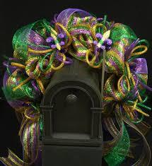Burlap Mardi Gras Door Decorations by 414 Best Wreaths Images On Pinterest Front Doors Holiday