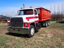 1988 Ford L9000 Tandem Truck 855 Cummings Engine, 20' Box And Hoist ...