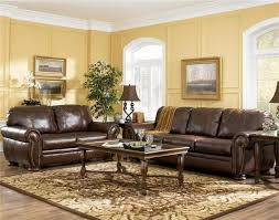 Brown Couch Living Room Decorating Ideas by Best 25 Ashley Leather Sofa Ideas On Pinterest Leather Couches