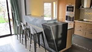 plaque de zinc pour cuisine plan de travail en zinc bonne ou mauvaise idée