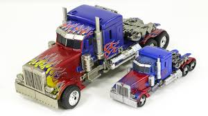 100 Optimus Prime Truck Model Transformers Studio Series KO Oversized Weijiang