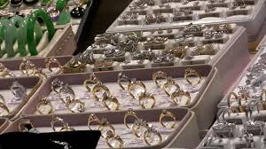 CU ZO Rows Of Diamond Rings In Display Window New York City