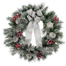 Unlit Artificial Christmas Trees Walmart by 11 Best Outdoor Christmas Wreaths For 2017 Festive Winter