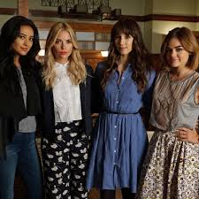 Pll Halloween Special 2014 Online by 15 Gifts Perf15 U0027pretty Little Liars U0027 Inspired Presents Teen Vogue