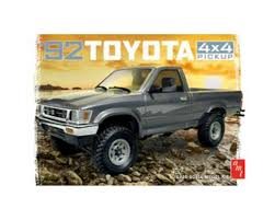 AMT 1/20 1992 Toyota 4x4 Pick-Up [AMT1082] | Toys & Hobbies - AMain ...