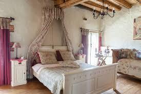 romantisches schlafzimmer mit baldachin bild kaufen