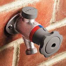 Outdoor Faucet Leaking From Top by Best 25 Water Faucet Ideas On Pinterest Fontana Water Water Me