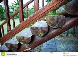 escaliers en bois de rondins photo stock image 51197336