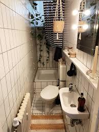 kleines bad in berliner altbau wohnung badezimmer