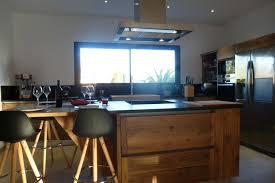 cuisine contemporaine bois massif cuisine contemporaine en bois massif à arles atelier bois deco