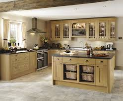 this light oak kitchen gives your kitchen a shaker style