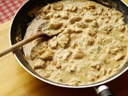 comment cuisiner blanc de poulet poulet à la crème moutarde et vin blanc cookismo recettes