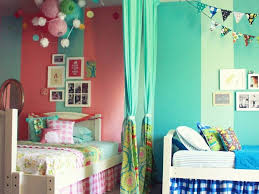 Turquoise Paint Idea For Teen Bedroom