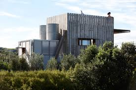 100 Crosson Clarke Carnachan Architects Sled House A House You Can Relocate With A Tractor