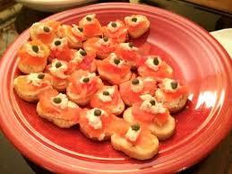 canapés saumon fumé recette toasts de saumon fumé aux câpres toutes les recettes