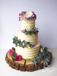 Log Slice Stand Hire GBP20 Deposit GBP30 Looks Great With Rustic Cakes