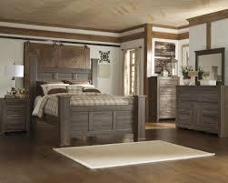 Santa Cruz Poster Bed Bedroom Suite