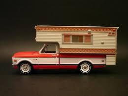 Diecast Hobbist: 1968 '69 Chevrolet C-10 W/Camper - County Roads