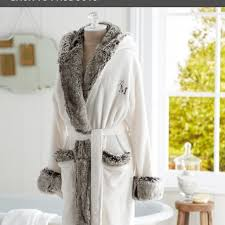 off Pottery Barn Tops BNWOT POTTERY BARN faux fur robe with