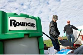 Farmers Matt Wiggeim Right And Cody Gibson Mix Monsanto Cos Roundup