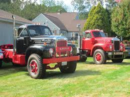 Ocean State Vintage Haulers Gather For Truck Show At Rossi's Tree ...