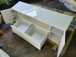 wohnzimmer sideboard fernsehtisch weiß hochglanz