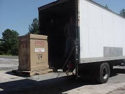 100 Lift Gate Truck Do You Need Inside Delivery Service First Call Ing