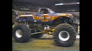 100 Monster Truck Shows Ma Bearfoot Vs Bigfoot YouTube