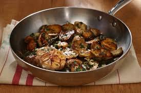 cuisiner cepes frais recette de poêlée de cèpes à la bordelaise facile et rapide