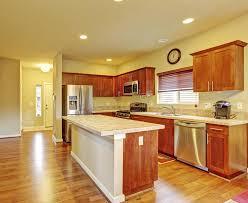cuisine en dur cuisine avec des planchers en bois dur image stock image du neuf