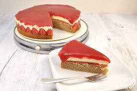 erdbeer sahne torte der leckere zwilling der solero torte