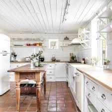 Solid Wood Kitchen With Push To Open Doors FORM 45
