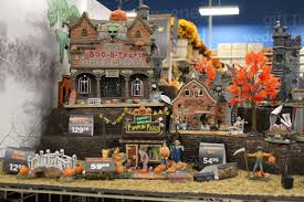 Lemax Halloween Houses 2015 by Halloween 2015 Sighted Michaels Stores From Zombos U0027 Closet