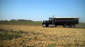 Gardiner April 8, 2013 1986 Ford 9000 Tandem Grain Truck Mack ...