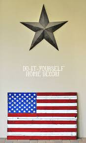 DIY Rustic Distressed American Flag Painting From Home Decor Wood Pallet Via Liblueboo