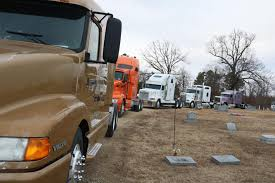 Convoy Of Truckers Honor Life-long Arkansas Trucker