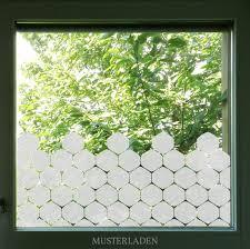 wohnzimmer sichtschutz folie fensterfolie bienenwabe hexagon fensterdekoration sichtschutz fenster bad milchglasfolie hexagon anpassbar
