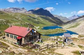 chalet de montagne en kit kit solaire chalet pour site isole