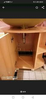 badezimmer spiegel schrank und waschbecken schrank